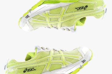 ASICS /// RUNNING SHOES
