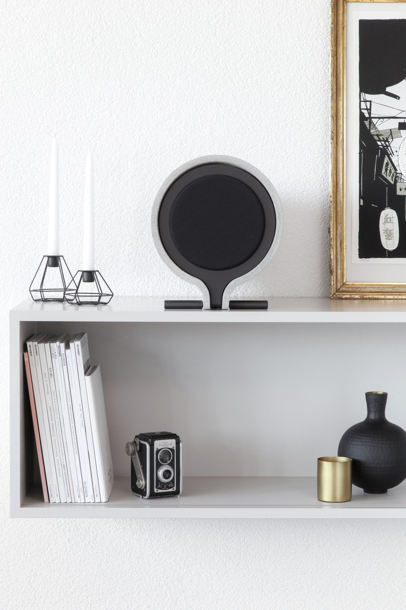 Vonschloo L242 Shelf Loudspeaker